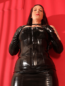 mistress in cuoio